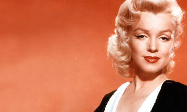 How To Do Marilyn Monroe's Crazy Lip-Contouring Trick