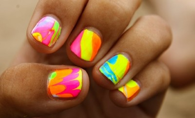 Bright summer nail colors