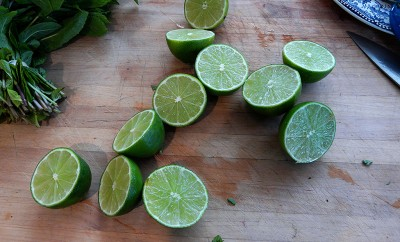 sliced limes and mint