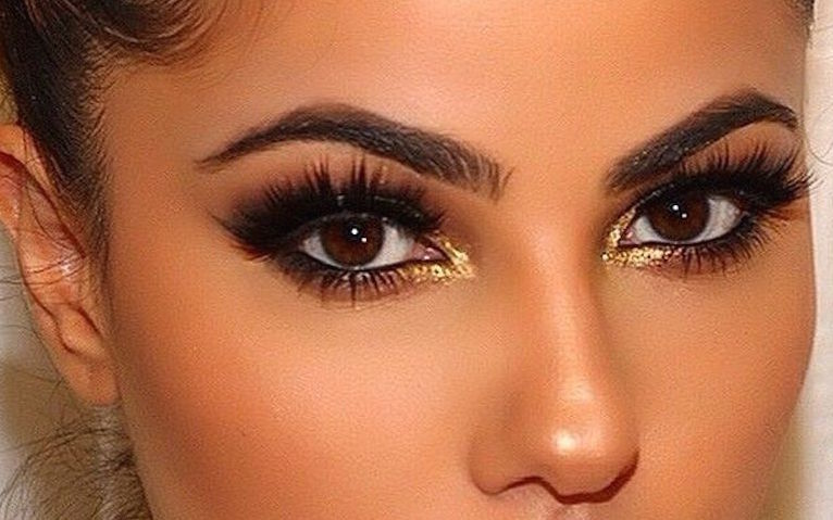 The Ultimate Guide To Applying Fake Lashes
