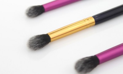 3 fluffy eye shadow brushes