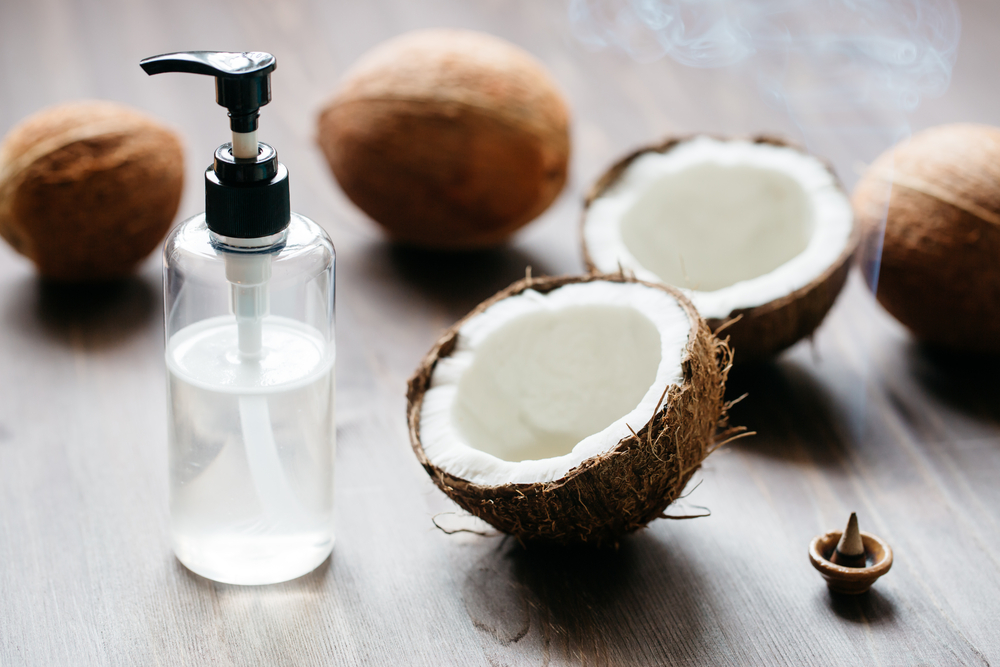 How to Use Overnight Coconut Oil Treatments