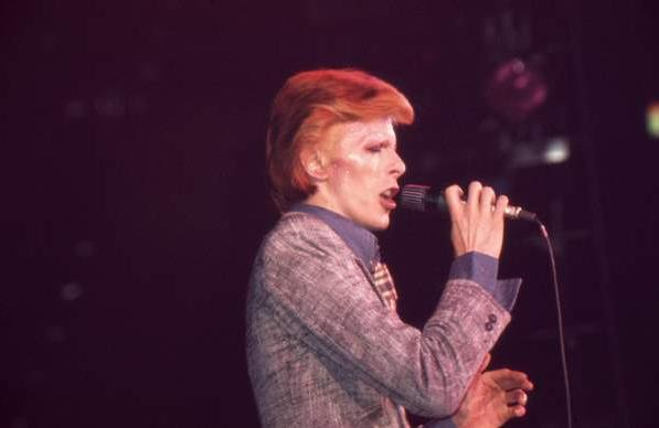 Beauty Throwback: David Bowie's Beauty Trends