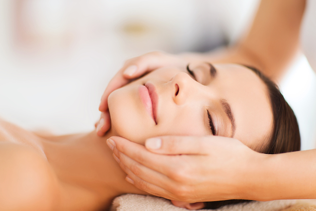 Beauty benefits of a facial massage