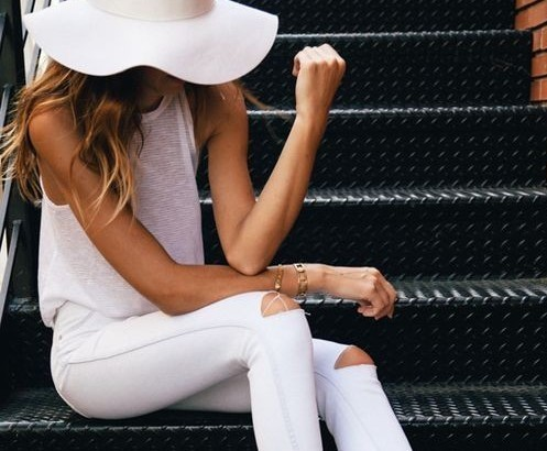 Monochromatic fashion: All white everything