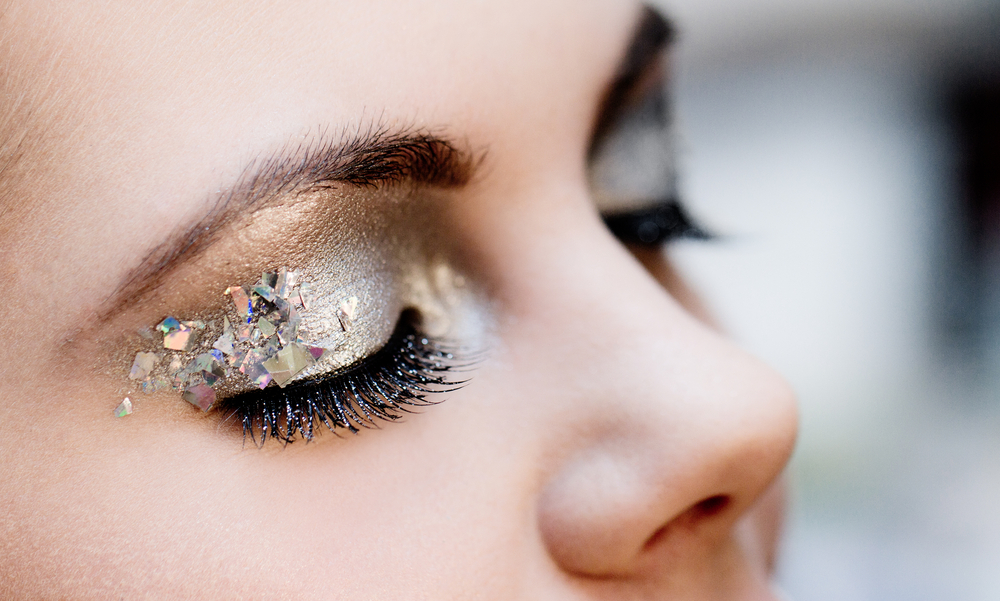 How to master metallic eye makeup