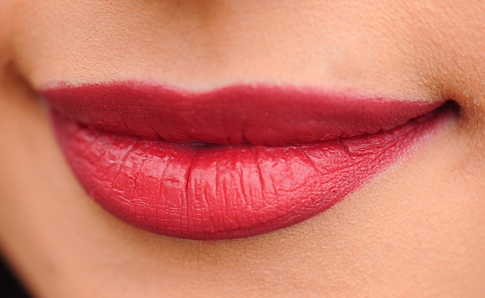 Monday Motivation: 6 ways to naturally plump your lips