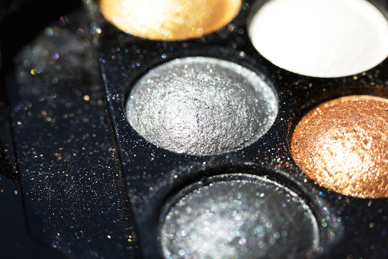 Glitter eye shadow palette make up