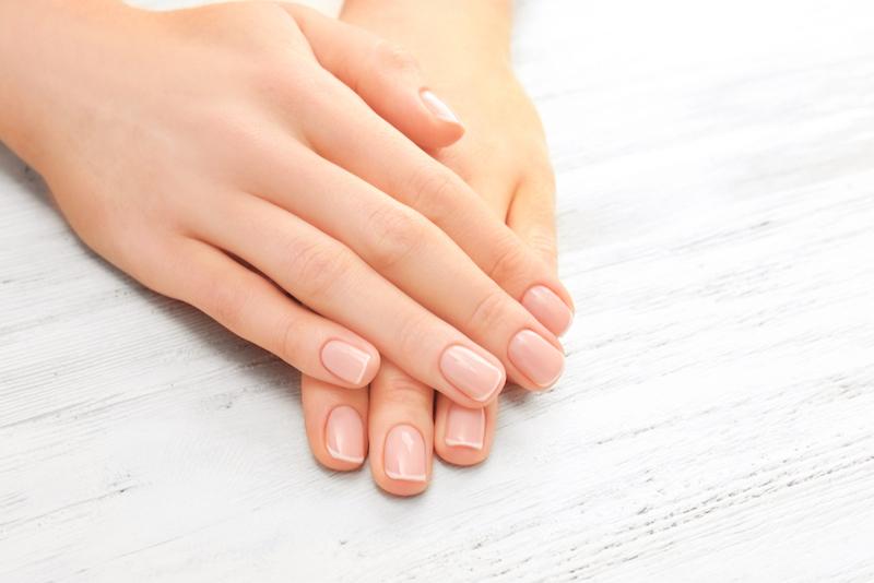 9 Ways to lighten nails