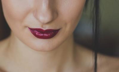 burgundy lipstick matte