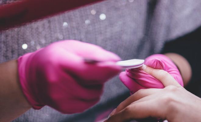 sketchy nail salon