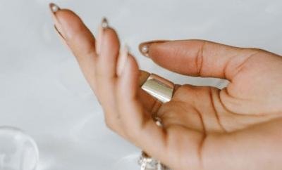 hidden pearl nails