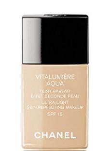 Chanel's Vitalumière Aqua Ultra-Light Skin Perfecting Sunscreen Makeup