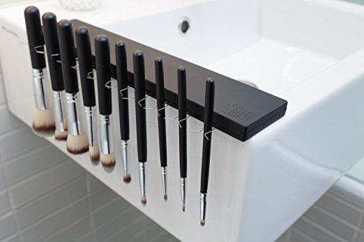 Brush drying rack