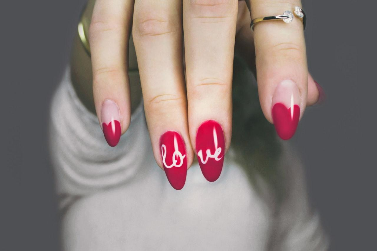 7 Festive Nail Ideas for the New Year