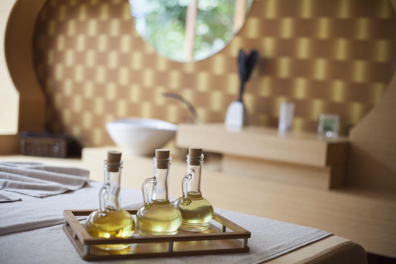 Ten Castor Oil Uses For Beauty